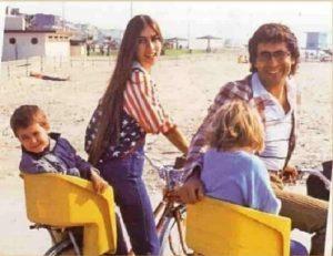 Al Bano e Romina in bici con Yari e Yelena: la FOTO commuove la Rete