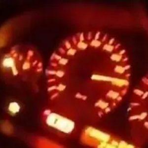 """Modena, la diretta Facebook a 220 km/h: """"Ci aspetta la droga..."""". Poi lo schianto VIDEO"""