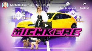 """Michelle Hunziker e la canzone trap: """"La mia Visa è come la notizia: Striscia"""""""