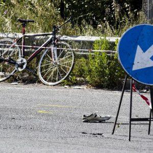 roma ruba portafogli ciclista