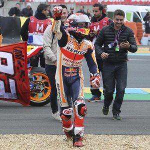 Marquez trionfa a Le Mans, Valentino Rossi chiude al quinto posto