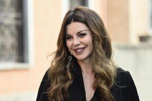 """Alba Parietti: """"Tra i miei amori anche Vialli ed Ezio Bosso. Saviano? Mi piacerebbe..."""""""