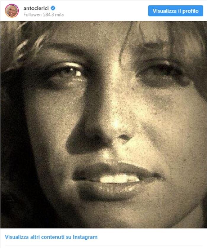 """Antonella Clerici posta FOTO di le a 15 anni. Mara Venier: """"Gnoccona""""2"""
