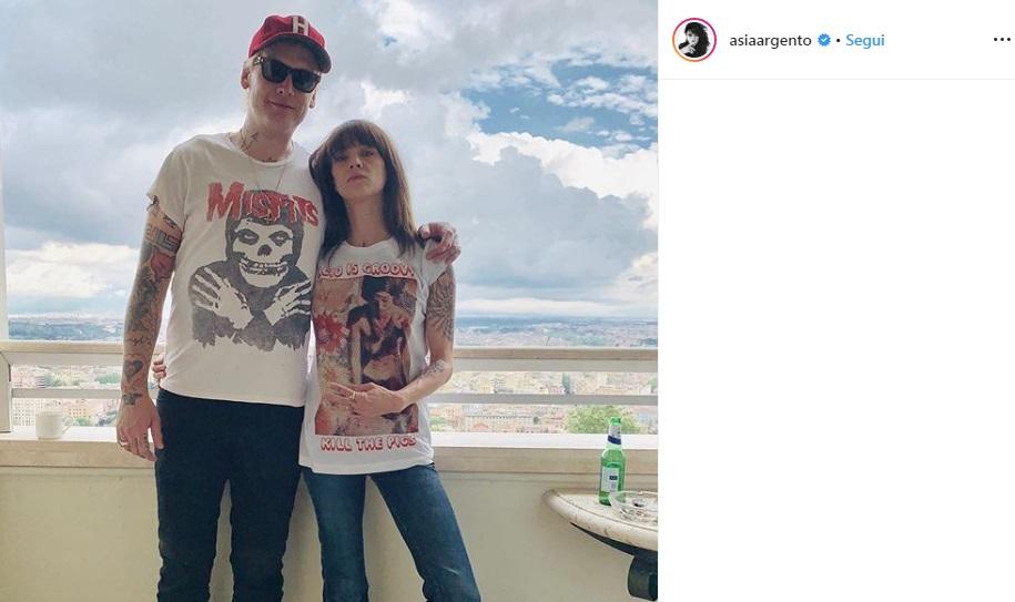 Asia Argento e Matthew Skiba hanno una relazione? 2