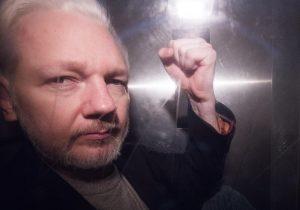 Julian Assange rischia 170 anni di carcere: 17 accuse per Wikileaks