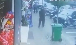 Napoli, video sparatoria tra la folla: bimba colpita dal sicario