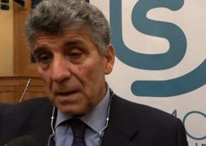 """Lampedusa, il racconto del dottor Pietro Bartolo: """"Ragazzi scuoiati vivi, le donne tutte violentate. Io piango e vomito"""""""