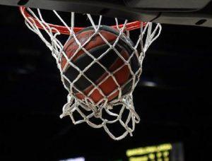 Basket, urlano 'negro di m.' a un 13enne durante partita a Milano (foto d'archivio Ansa)
