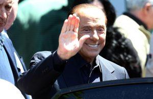 """Berlusconi dimesso dal San Raffaele: """"Pensavo di essere alla fine... Invece farò campagna elettorale"""""""