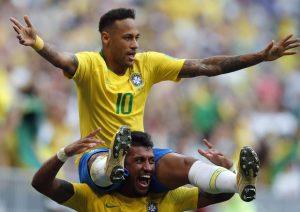 Brasile, Neymar perde la fascia. Il nuovo capitano è Dani Alves