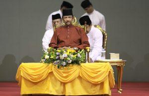 Brunei, pena di morte per gay e adulteri: il sultano fa marcia indietro