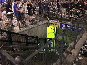 Piazza San Carlo, condannati a 10 anni i 4 della banda dello spray. Nella calca morirono 2 persone