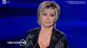 """Vieni da Me, Carmen Russo e la frecciatina a Luciana Littizzetto: """"Mi dispiace che..."""""""