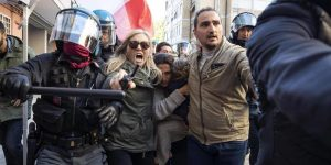 Casal Bruciato, famiglia di nomadi minacciata a Roma: prime denunce