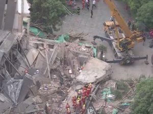Cina, crolla palazzo a Shanghai: 5 morti VIDEO