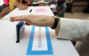 Comunali Sicilia, si vota in 5 comuni per i ballottaggi. Urne aperte fino alle 23