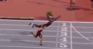 YOUTUBE La trovata geniale dell'atleta per vincere la corsa ad ostacoli VIDEO