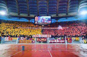 """De Rossi, Sarah Felberbaum ai tifosi della Roma: """"Grazie"""""""