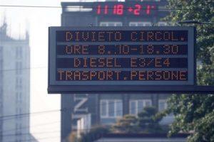 Roma, auto Diesel Euro 3 vietati a Roma dal 1 novembre: tutte le misure