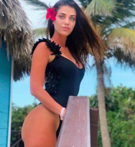 Eleonora Boi in costume a Cuba, i follower di Instagram la riempiono di complimenti