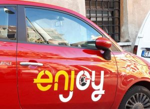 Roma, sei auto Enjoy bruciate in pochi giorni. Terrorismo anarchico contro l'Eni?