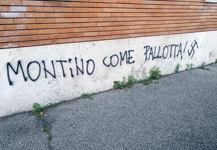 Fiumicino, svastiche ricoprono i fogli con i sonetti dei poeti3
