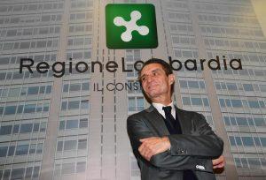 Attilio Fontana indagato per abuso di ufficio nell'inchiesta sulle tangenti in Lombardia