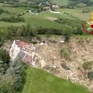Maltempo in Emilia: allagato Crespellano, frana fa crollare una casa a Borgo Tossignano