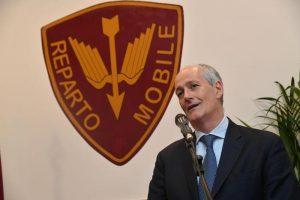 """Polizia di Stato, Franco Gabrielli risponde a Saviano (dopo il tweet): """"Non siamo al servizio dei ministri"""""""