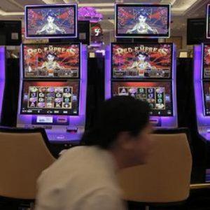 Gioco d'azzardo, 3 sale slot illegali chiuse in pochi giorni. Il fallimento del proibizionismo del Governo