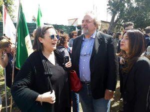 """Giovanni Impastato caccia esponenti M5s dal corteo per il fratello Peppino: """"Governate coi fascisti"""""""