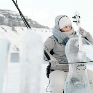 Greenpeace, concerto nell'Artico con strumenti di ghiaccio per sensibilizzare sul cambiamento climatico VIDEO