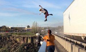 base jumper saltano fiume