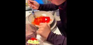 Cena social a casa Totti, il simpatico siparietto con Ilary Blasi e i figli. VIDEO