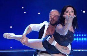 Ballando con le stelle: Ivan Cottini, malato di sclerosi multipla, commuove col suo ballo