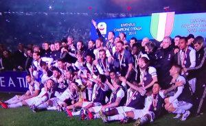 Festa scudetto allo Juventus Stadium, ovazioni per Allegri, Barzagli e Cristiano Ronaldo