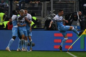 Coppa Italia alla Lazio e Champions all'Atalanta, sui social si grida al complotto