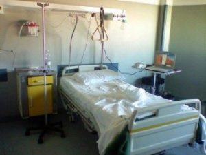 Napoli, manca biancheria negli ospedali: gli operai della lavanderia sono in sciopero. Il Cardarelli sospende interventi