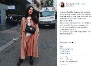 Levante scippata a Parigi: Mi hanno rubato il telefono e mi sono accasciata
