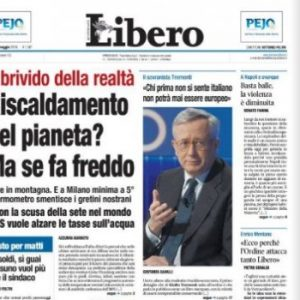 """Libero, la prima pagina negazionista: """"Riscaldamento globale? Ma se fa freddo"""""""