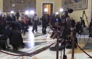 M5s, nessuna dichiarazione sui risultati delle Europee: la sala è vuota