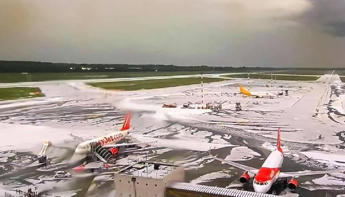 Maltempo Milano, nubifragio e grandine. Ghiacciata la pista di Malpensa: voli bloccati per un'ora FOTO-VIDEO 01