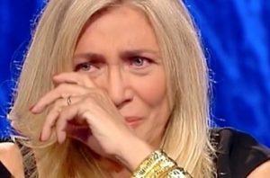 """Domenica In, Simona Sparaco fa piangere Mara Venier in diretta: """"Mia madre..."""""""