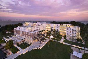 Venezia, incendio all'hotel Marriott di Sacca Sessola: evacuati 40 ospiti, nessun ferito