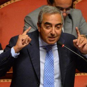 """Iva aumenterà. Maurizio Gasparri: """"Conferma dal Governo"""". Di Maio nega ma Tria ha detto..."""