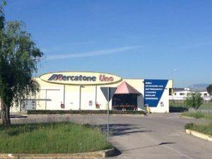 Mercatone Uno fallita, i 1800 dipendenti lo scoprono via Facebook: negozi chiusi nella notte