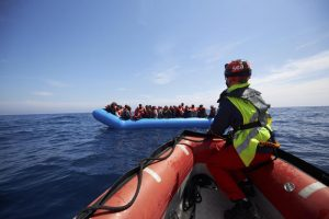 Decreto Sicurezza Bis, resta multa a navi ma sparisce per sbarco migranti