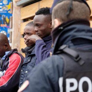 Migranti: sono più quelli rispediti in Italia da Germania, Francia e Austria di quelli che sbarcano
