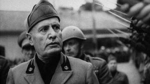 Benito Mussolini, al bar di Bologna bustine dello zucchero col volto del Duce