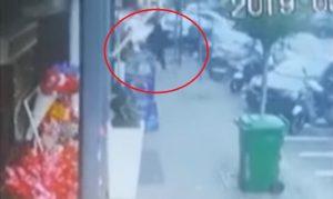 Napoli, video sparatoria: sicario scavalca Noemi durante fuga